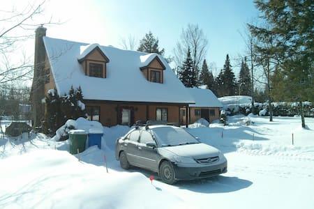 Chalet avec accès au lac lovering - Saint-Benoît-du-Lac