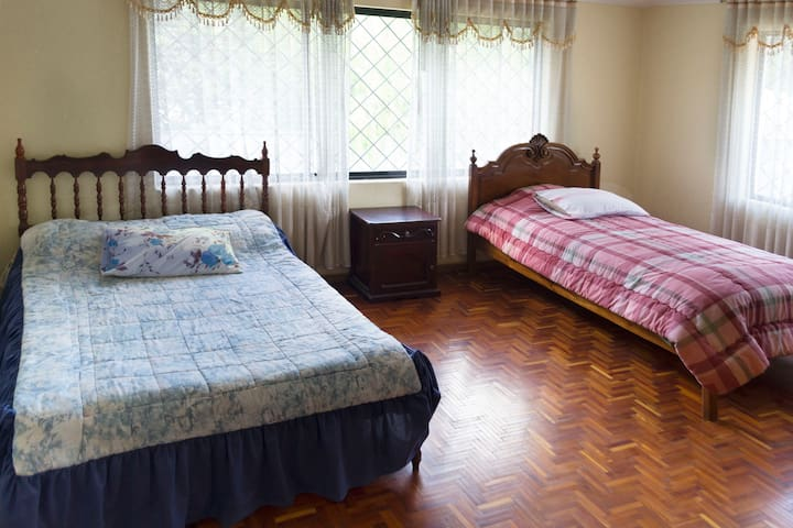Dormitorio 3  - con dos camas