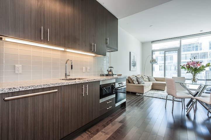 Superb Downtown Waterfront Condo!!! - Toronto