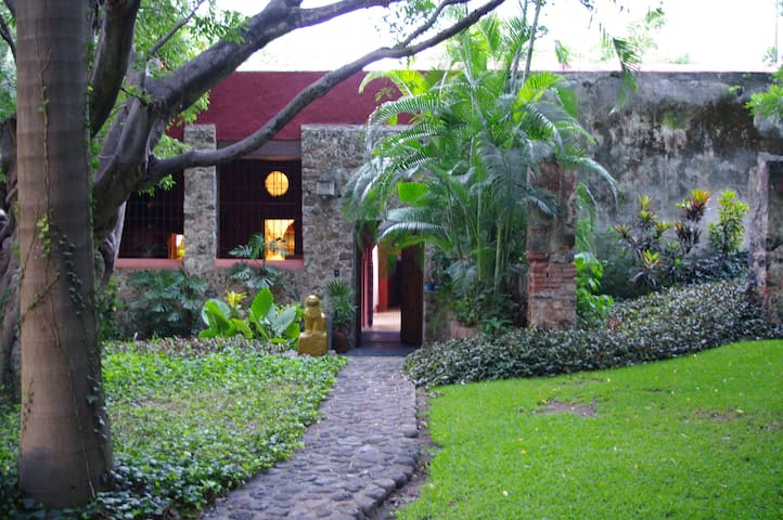 Inside a XVII th century hacienda - Yautepec