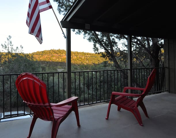 Cabin with a view and walk to river - Payson - House