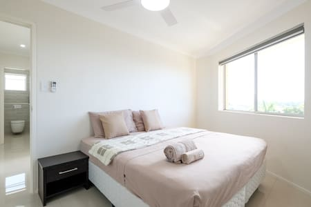 Stunning views close to City & public transport - Coorparoo - アパート