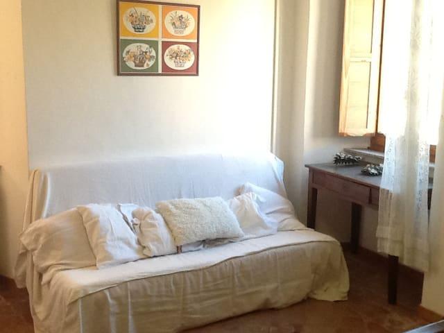 Appartamento in palazzo storico - Montefortino - Dom