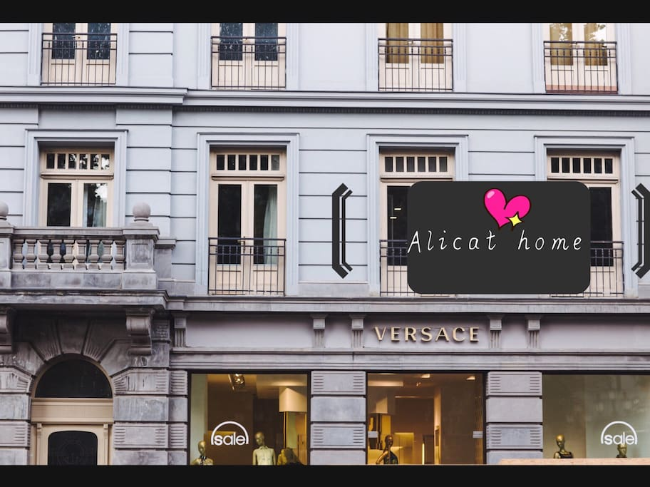 upstair versace , best location, safe,cozy, luxury,