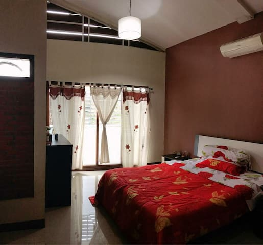 Room for rent in Palagan street