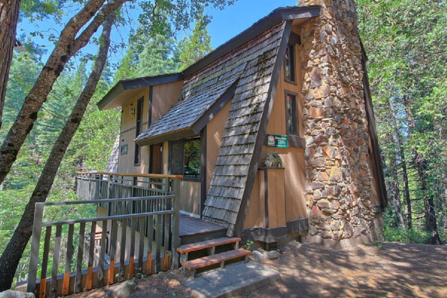 with interior cabins rental tubs gammaphibetaocu hot yosemite rentals wawona com in best cabin of awesome