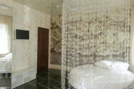 Номера люкс 89289011616  - Новочеркасск - Bed & Breakfast
