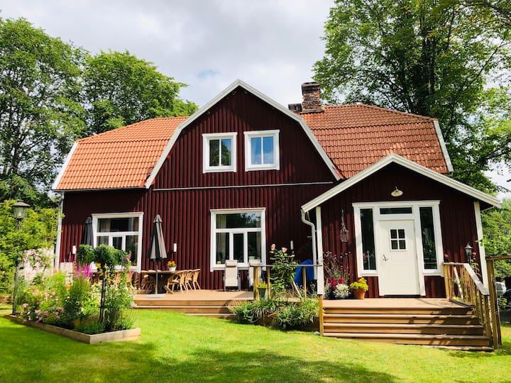 Vackert stort nyrenoverat hus i Kolmården