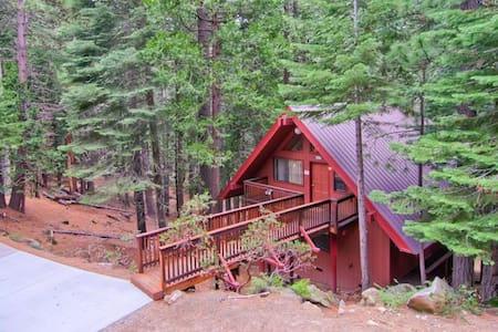 Yosemite Escape  - Kisház