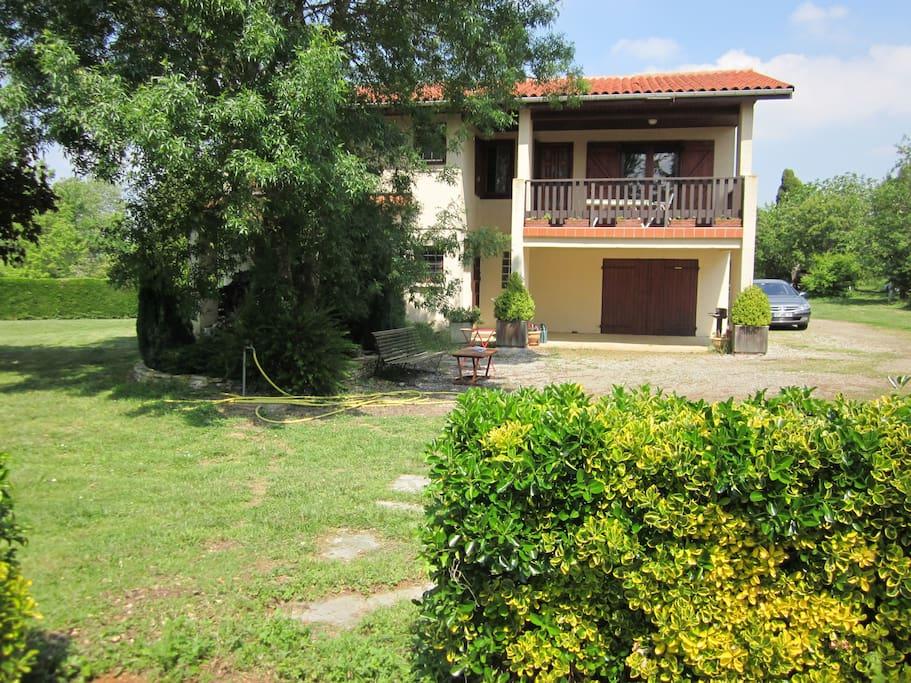 Maison indépendante. Visitez le site lefarguettou.jimdo.com