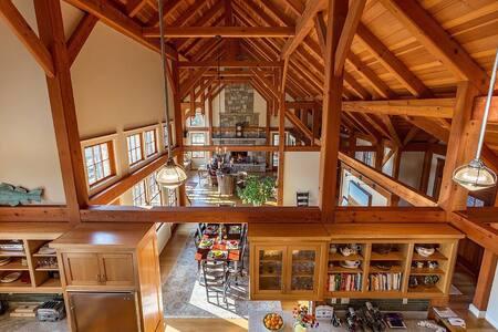 Magnificent Timber Frame Home - Ház