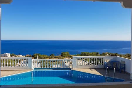 Gorgeous house w/ pool & sea view - Achlia Lasithi
