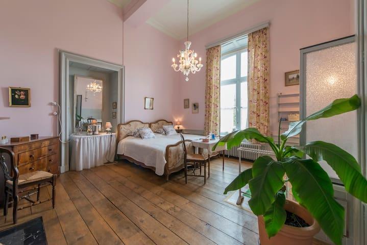 Chateau de Waleffe - Pink Room  - Faimes - Zamek