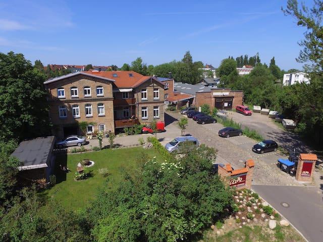 Villa Backstein, 52 qm, Nähe Schweriner Schloß