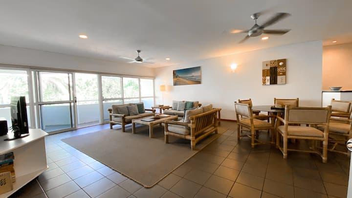 Beach Terraces 3 Bedroom/2 Bathroom Apartment