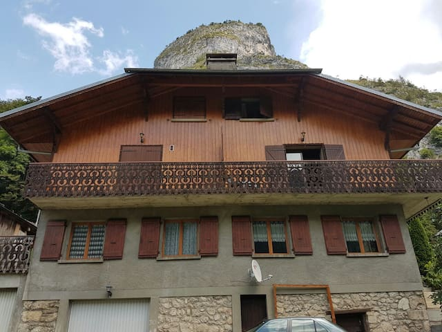 Spacious 3 bedroom chalet apartment - Saint-Jean-d'Aulps