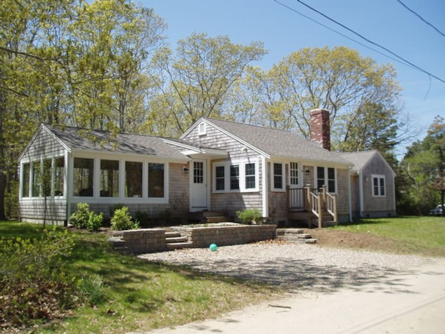 Welcoming 3 Bedroom Cottage Near Beaches Houses For Rent In Harwich Massachusetts United States