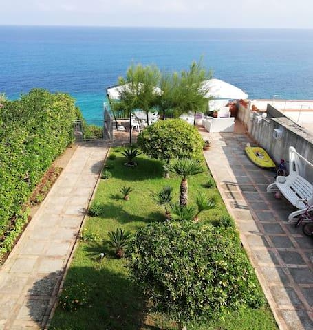 Appartamento sul mare tra Pizzo e Tropea