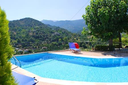 Villa Meskla, Crete - Meskla - Huvila