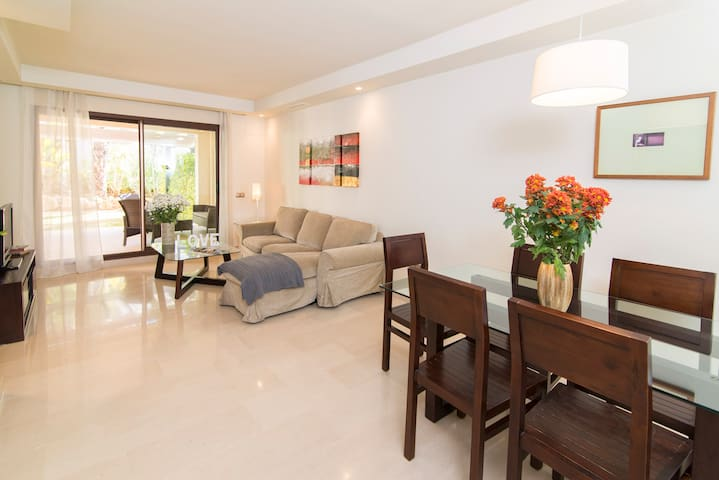Steps from P.Banus!Modern/Quiet 2 bdrm Apt - Pool - Marbella - Apartment