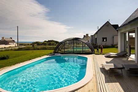 Chambre d'hôte Belle Bretagne, piscine vue mer