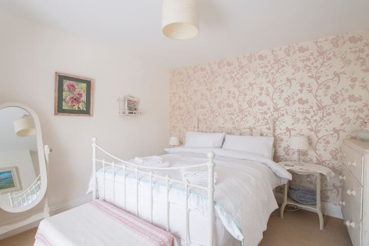 Charming Double Room - Perfect Country Retreat