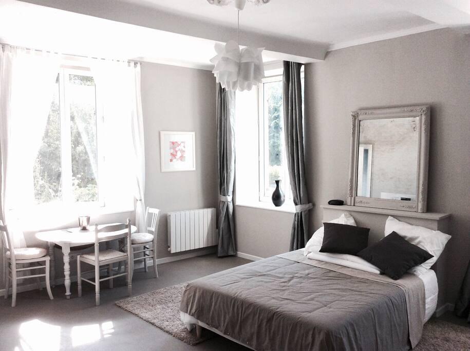 cute cosy charming 45m2 cottage h uschen zur miete in gu ron normandie frankreich. Black Bedroom Furniture Sets. Home Design Ideas