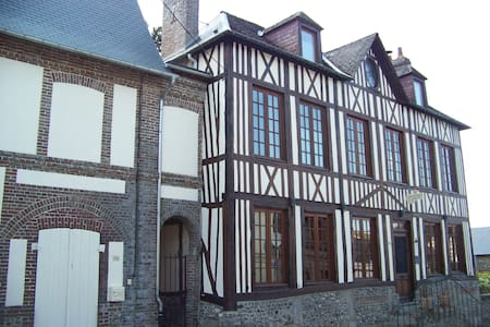 Maison Dr Vassaux B&B  belle ile - Bed & Breakfast
