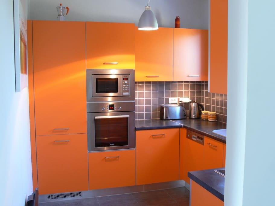 Apollon 70 m2 d 39 espace welcome apartments for rent for Apollon greek and european cuisine