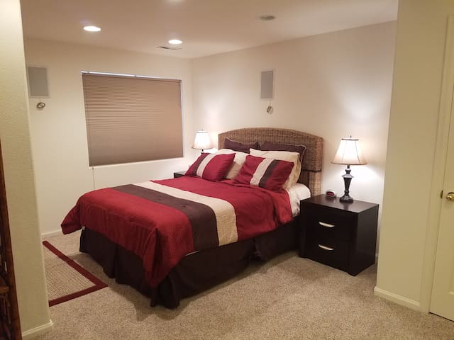 Private Suite, Bath, Family Rm in Very Large Home