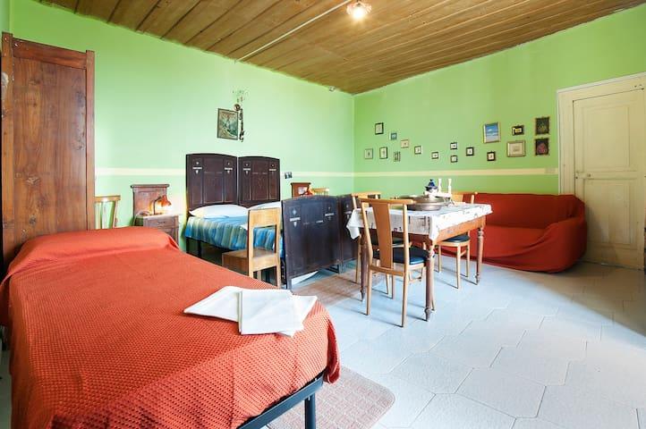 Appartamento di 120 Mq  8 posti l - Aiello Calabro - Bed & Breakfast