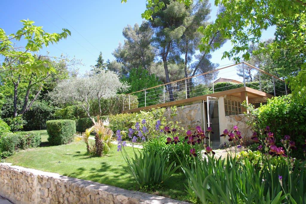 Tr s belle villa piscine aix en provence ville in - Abri de jardin flovene aixen provence ...