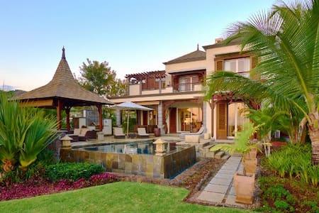 Villa 2 chambres - Vue mer et golf - bel ombre