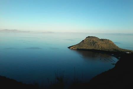 Casa nella roccia - Lipari