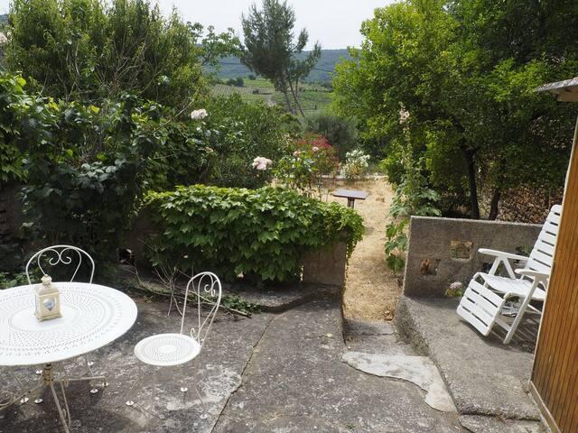 Maison dans un village pittoresque des Corbières - Quintillan