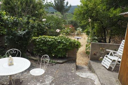 Maison dans un village pittoresque des Corbières - Quintillan - Dom