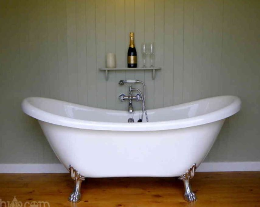A tub to relax in, the Washroom