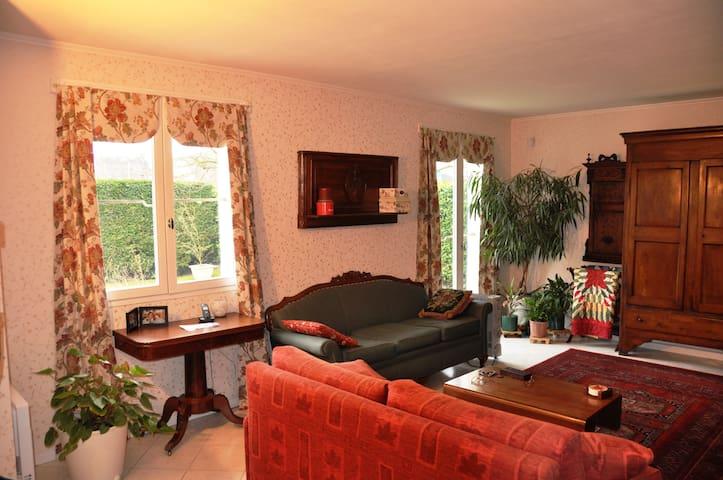 Spacious home near Paris Versailles - Montigny-le-Bretonneux - Dom
