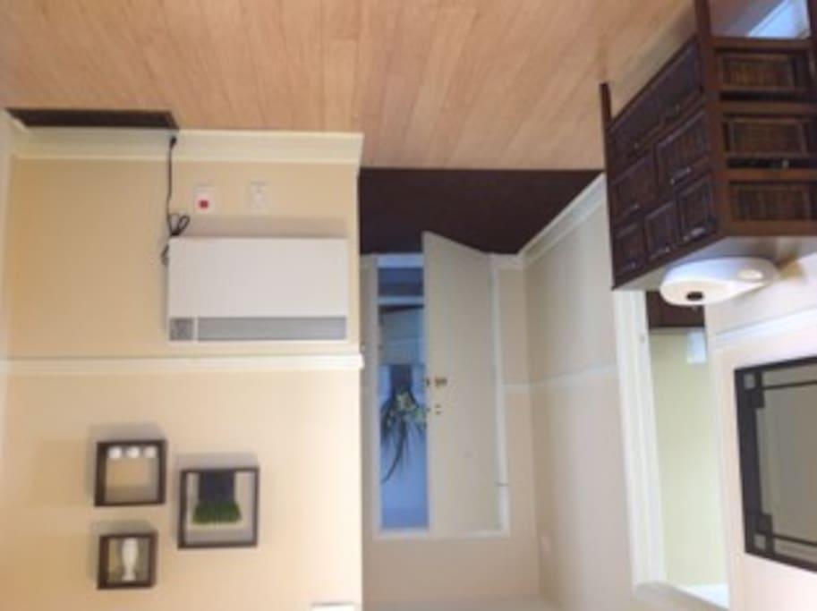Entrance, walk-in closet, foyer & computer corner (not shown).