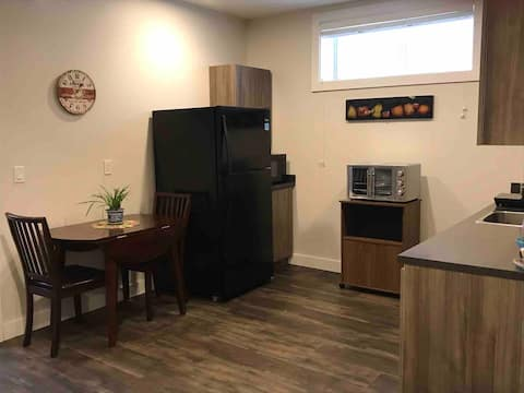 Pvt lower suite - Entire place, central, new home