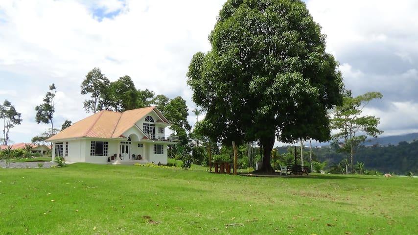 Beautiful Home on 2 acre near Macas