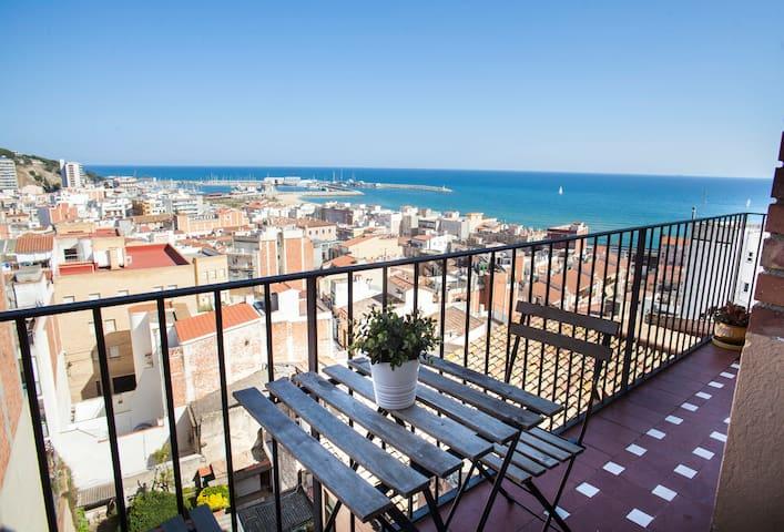 Large Mediterranean appartment, nice sea views