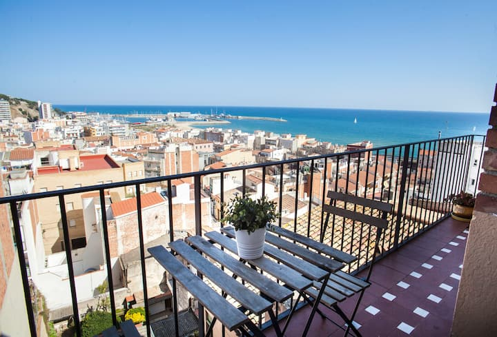 Large Mediterranean appartment, nice sea views