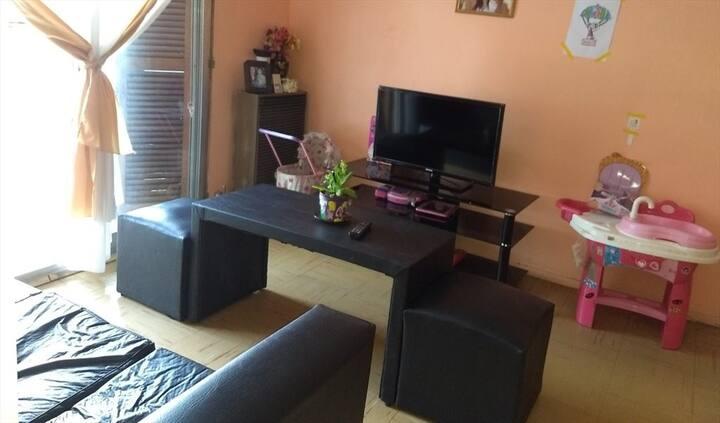 Habitacion individual en casa de familia..
