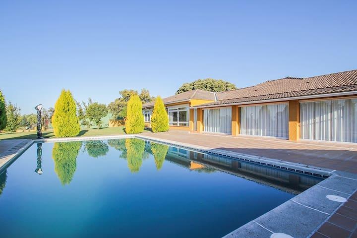 Luxury Villa / Private Estate in Toledo