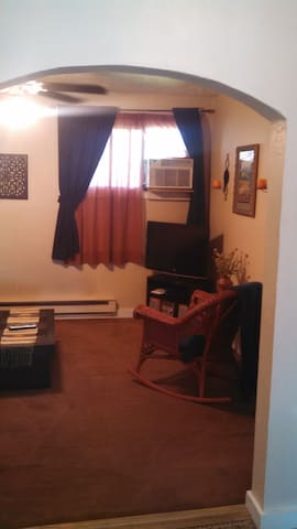 Fully furnished 1 bedroom cottage