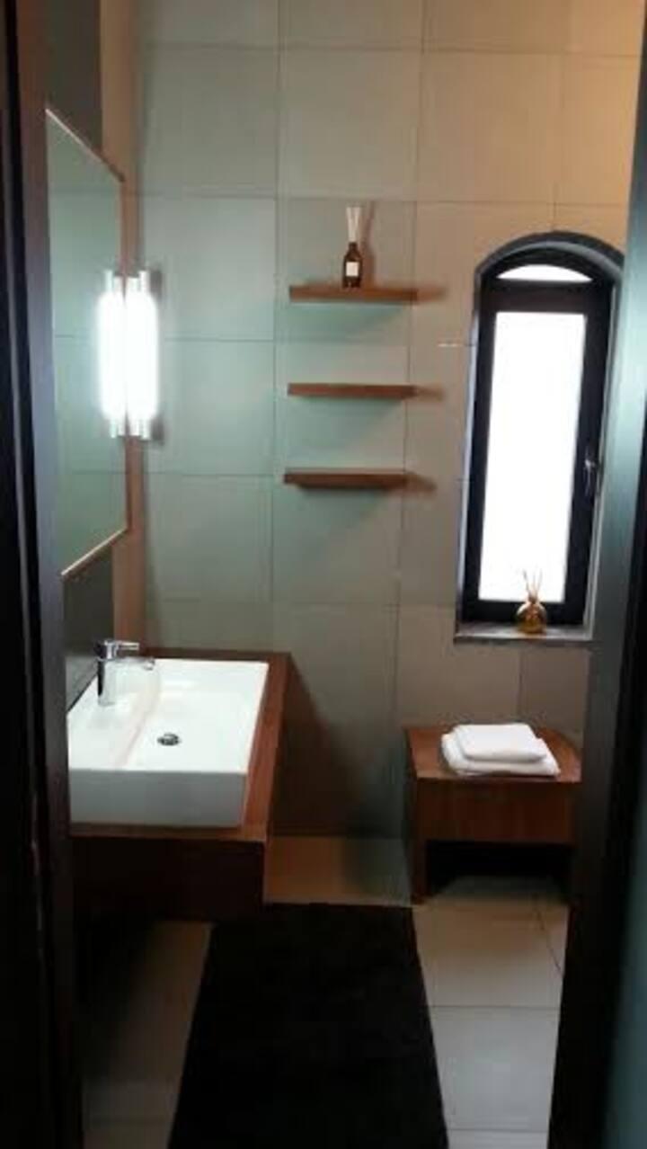 Modern Dabouq Suite