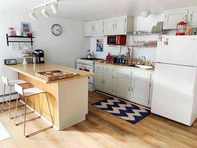 Cozy Dorset Apartment with Mountain View