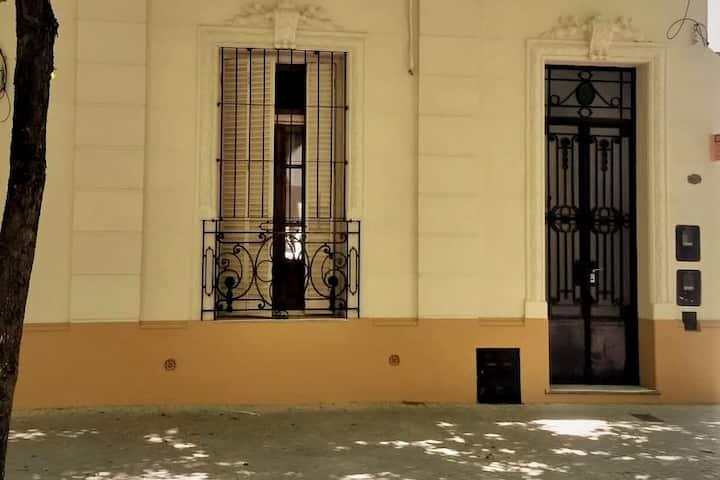 Italian house in Pichincha neighborhood