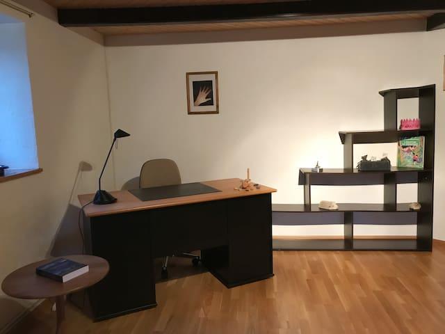 Place bureau avec prise TV